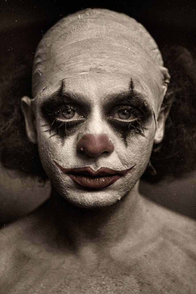 macabre-scary-clown-portraits-photography-clownville-eolo-perfido-99-4